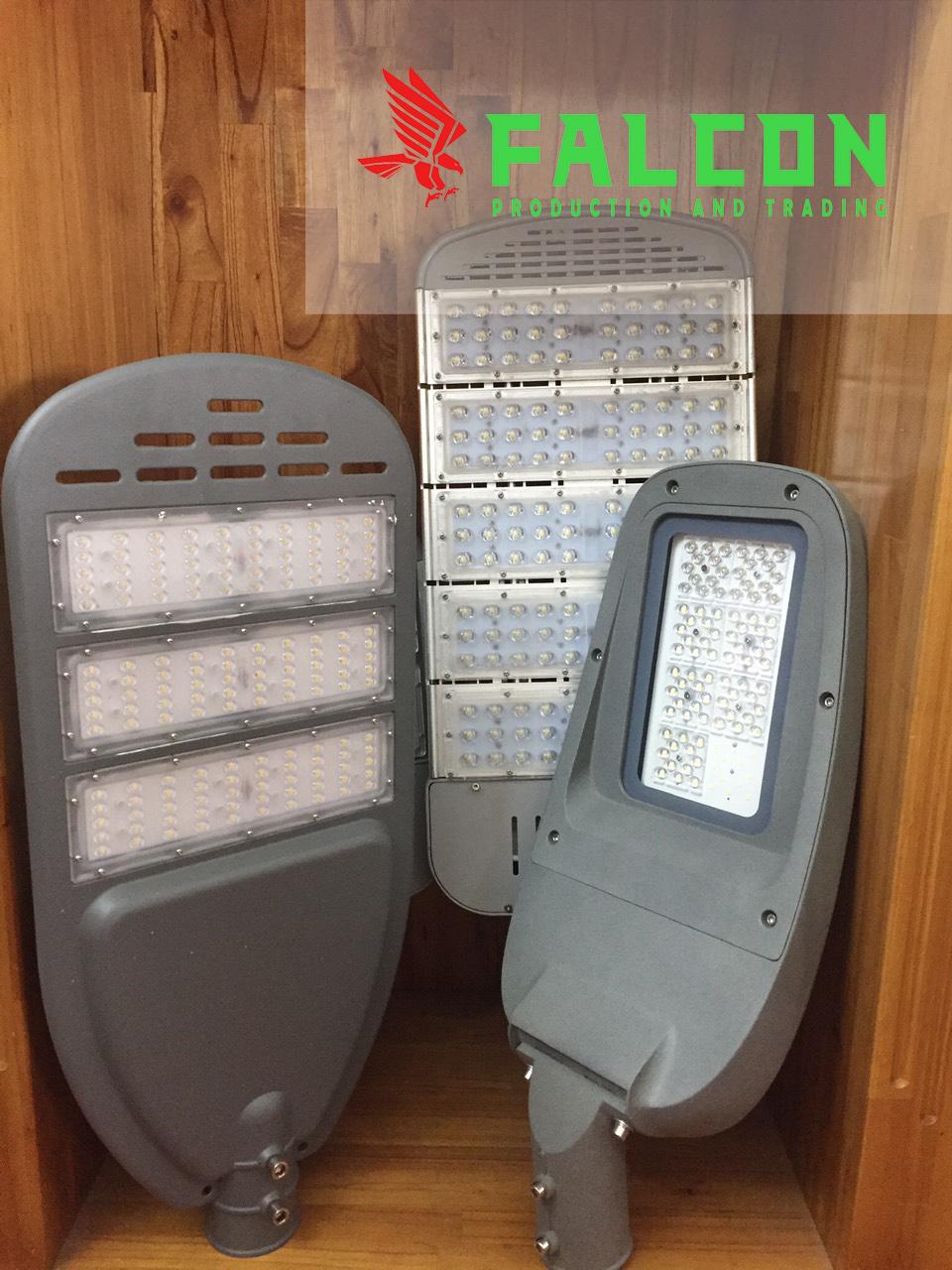 đèn đường chiết khấu cao tổng kho sản xuất lắp ráp đèn tại Hà Nội. Được nhiều công trình lựa chọn đèn đường lắp cho các nhà xưởng khu công nghiệp.